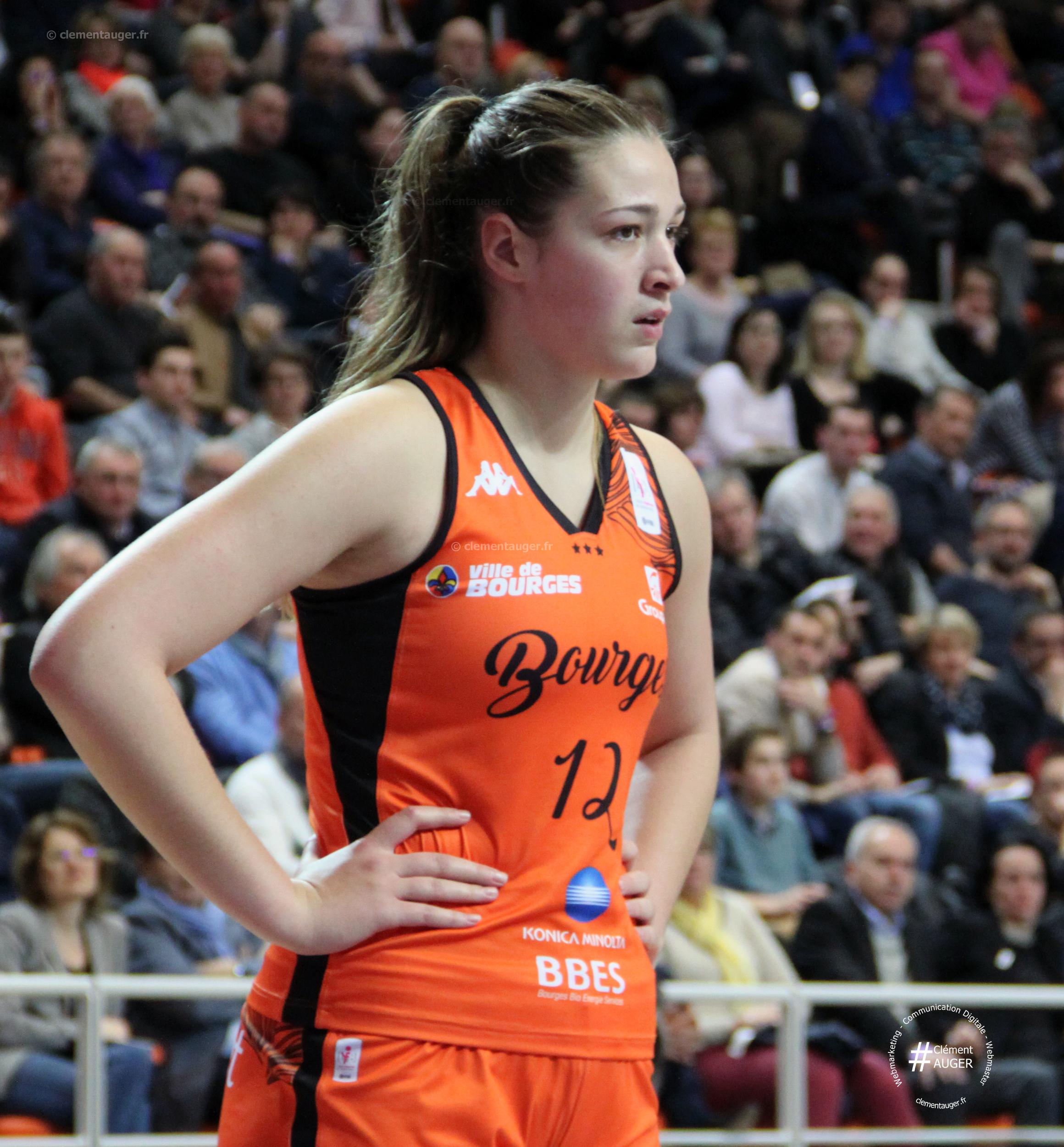 Alexia Chartereau / Tango Bourges Basket (saison 2016-2017)